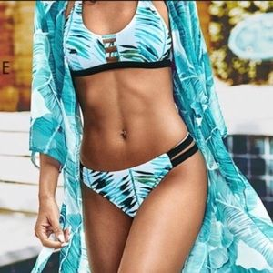 COPY - CupShe Blue & White Modern Bikini Swimsuit